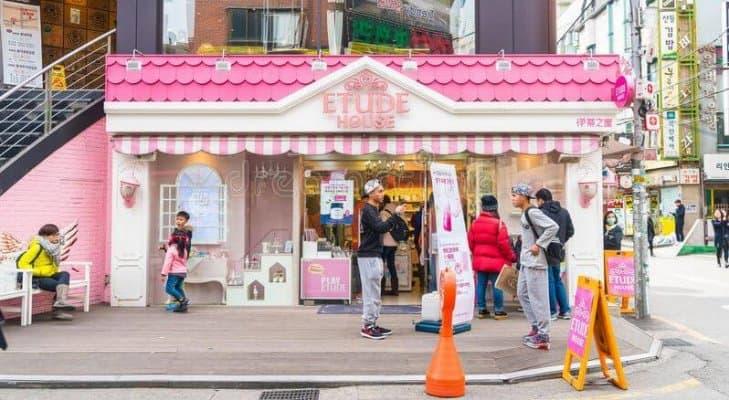 Cửa hàng Etude House tại Seoul