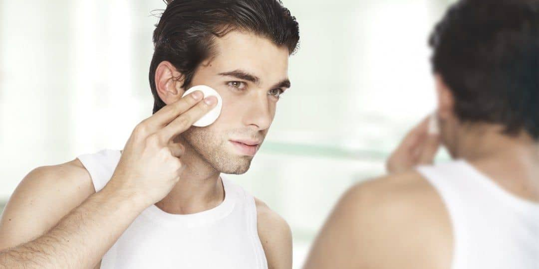 Chăm sóc da mặt đúng cách sẽ đẩy lui mụn